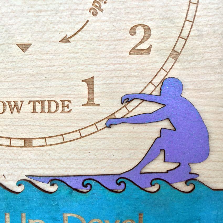 Surfs Up Tide Clock detail