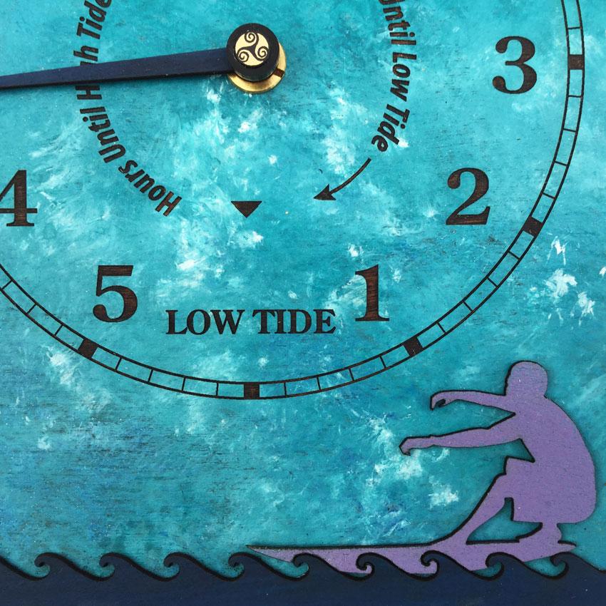 Sea Spray 'Surfs Up' Tide Clock